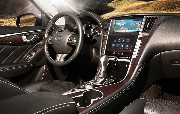 2015 Infiniti Q50 interior