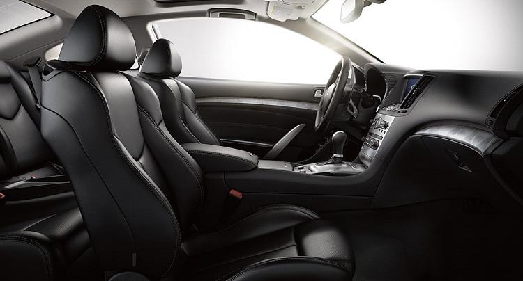 2015 Infiniti Q60 interior