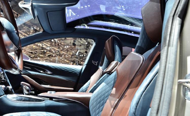 2015 Infiniti QX30 cabin