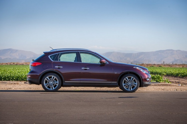 2015 Infiniti QX50 side view
