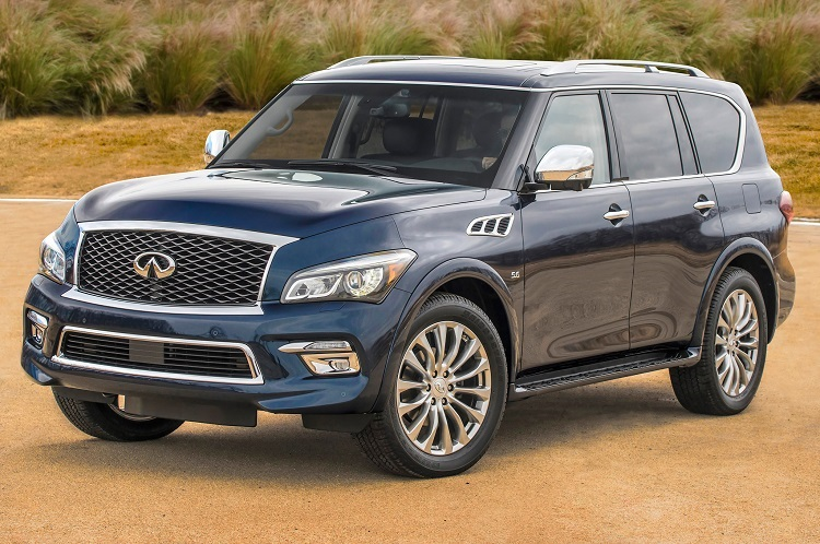 2015 Infiniti QX80 front view