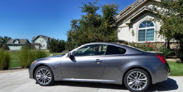2015 infiniti Q60 coupe side view