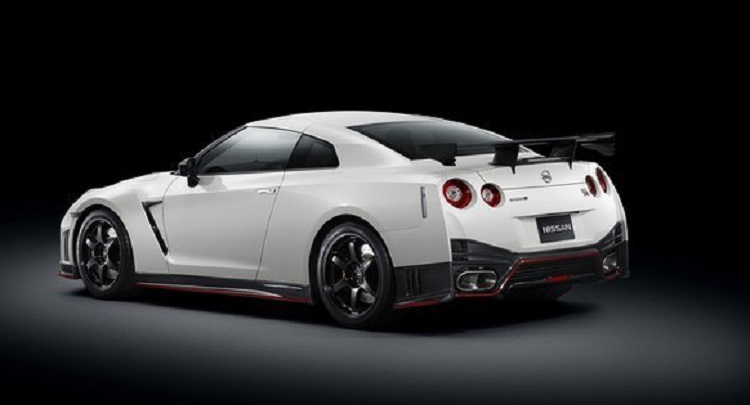 2015 nissan gt r nismo specs engine price black gt3. Black Bedroom Furniture Sets. Home Design Ideas