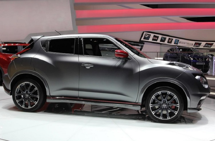 2015 nissan juke nismo side view