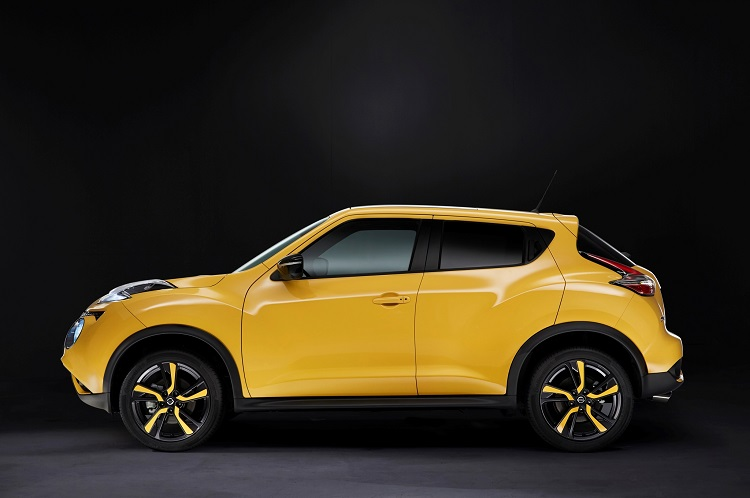 2015 nissan juke side view