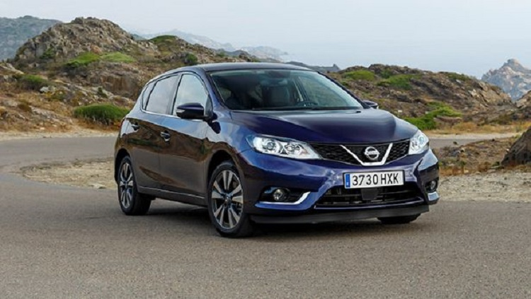 2015 nissan pulsar front view
