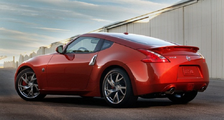 2015 nissan z rear view