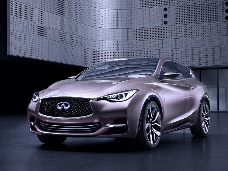 2016 Infiniti Q30 front view