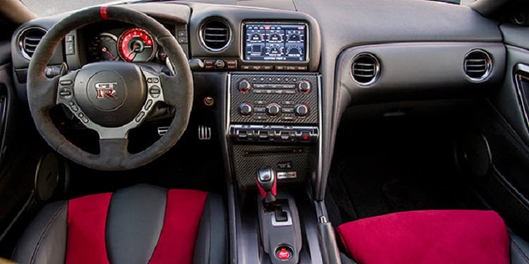 2016 Nissan GTR Nismo interior
