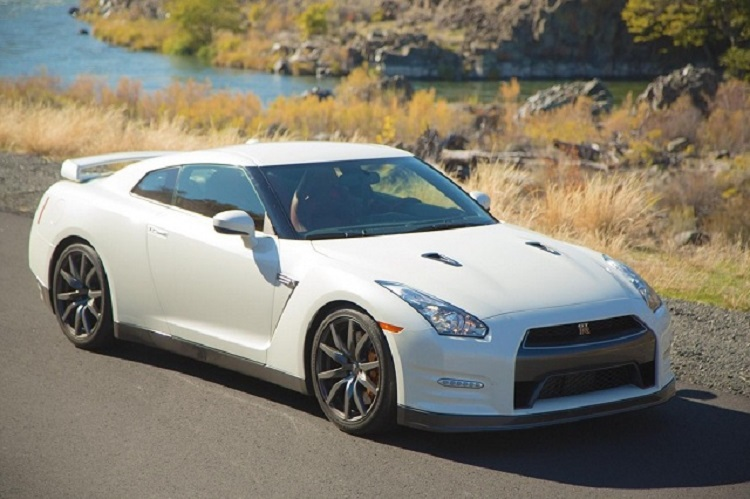 2016 nissan gt r price specs hybrid release date r35. Black Bedroom Furniture Sets. Home Design Ideas