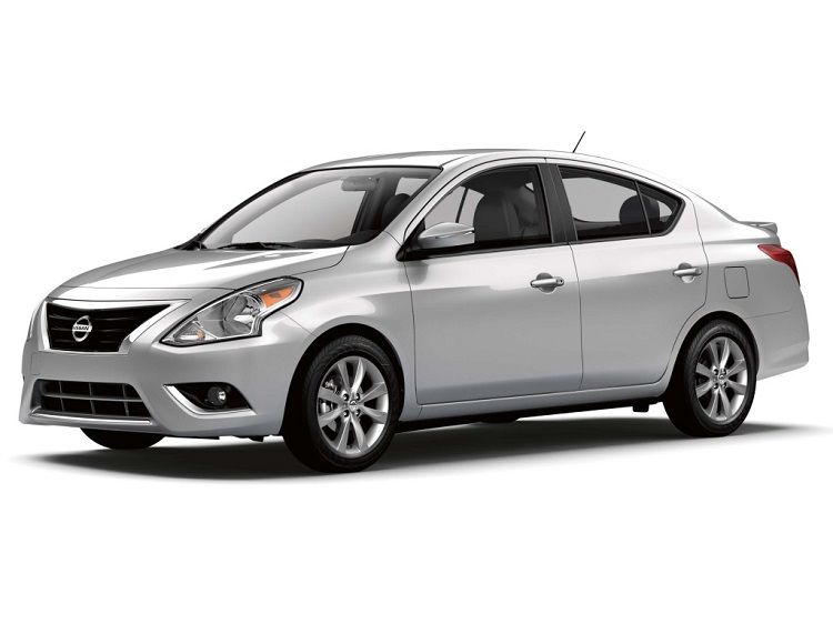 2015 Nissan Sunny front view