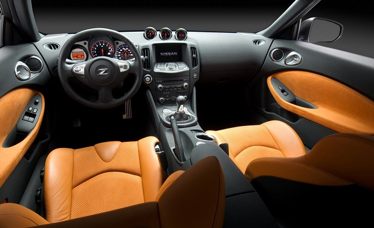 2016 Nissan 370Z Nismo interior