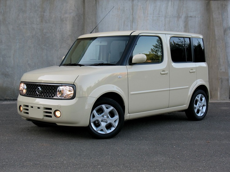 2016 nissan cube front view