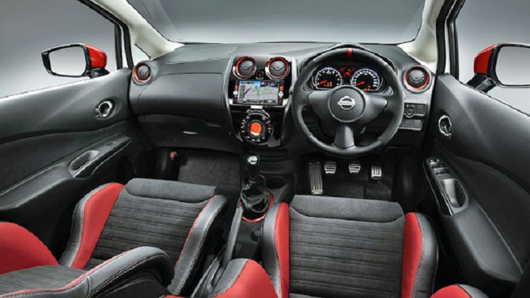 2015 Nissan Note Nismo interior