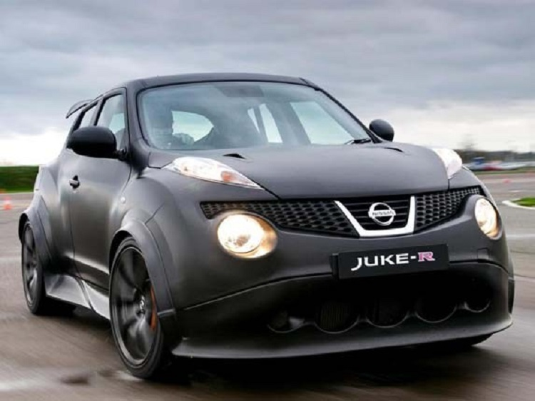2016 Nissan Juke R Nismo front view
