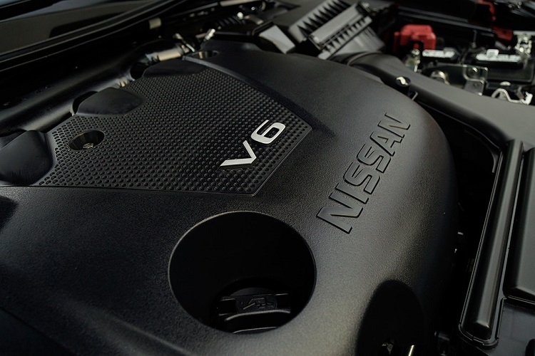 2016 Nissan Maxima SR Midnight engine