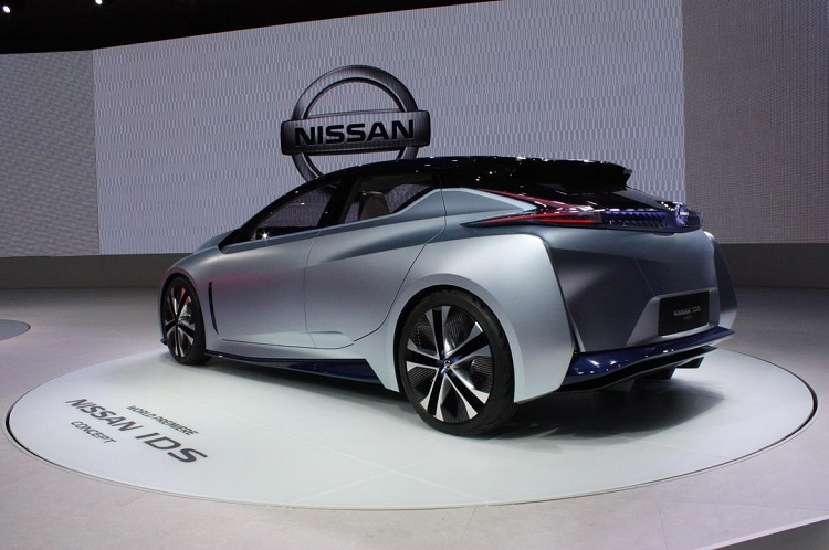 nissan ids concept rear view