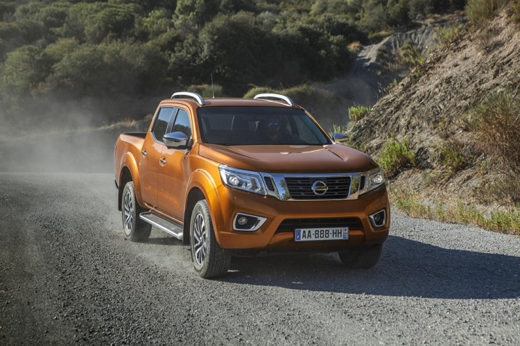 2018 nissan navara changes redesign specs interior. Black Bedroom Furniture Sets. Home Design Ideas