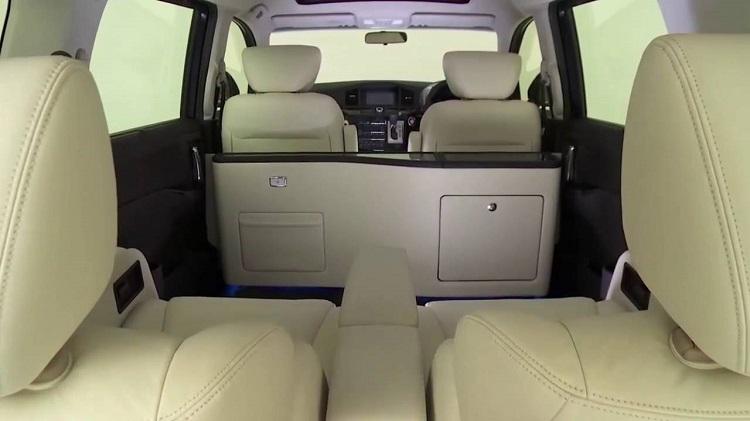 2017 Nissan Elgrand interior