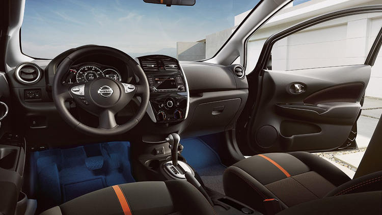 2017 Nissan Note cabin