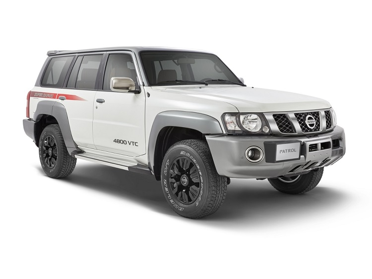 2017 Nissan Patrol Y61 front view