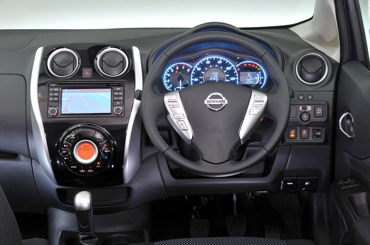 2018 Nissan Note interior