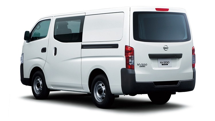 Nissan NV350 Urvan rear view