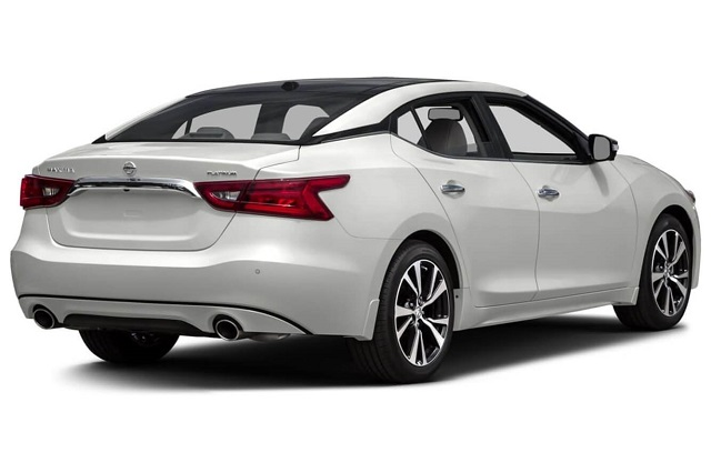 2019 nissan maxima rear view