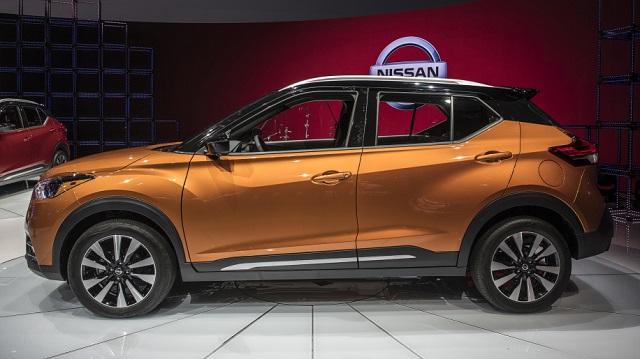 2019 nissan kicks side view