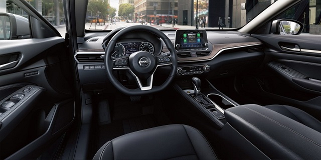 2021 Nissan Altima interior
